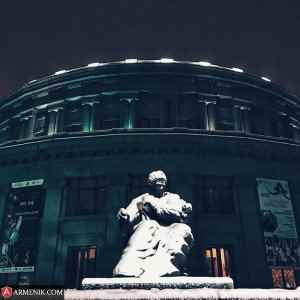 Aram Khachatryan Statue