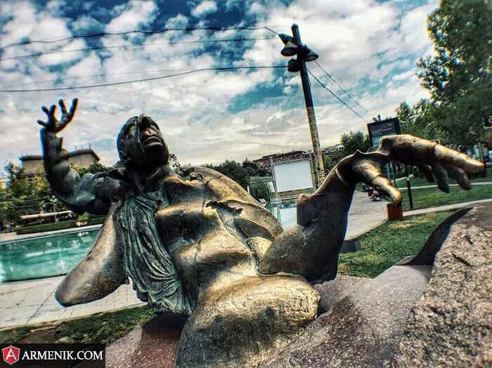 Arno Babajanyan Statue Yerevan