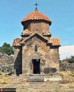 Karmravor Church ashtrarak